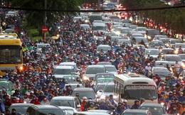 Vạn người đang bất lực trong kẹt xe, ngập nước cửa ngõ phía Đông TP HCM