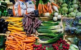 Nhân viên siêu thị tiết lộ về độ tươi ngon của rau củ quả: Có khi để cả năm, chưa rửa đã xếp lên kệ