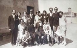 Gia đình Almagia – hậu duệ của một người từng được cứu sống nhờ bệnh K