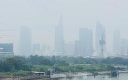 Bầu trời Sài Gòn âm u, chìm trong sương mù