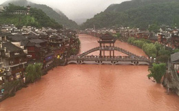 Phượng Hoàng cổ trấn thượng nguồn đập Tam Hiệp bị ngập lụt