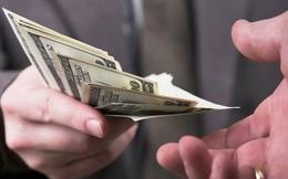 """Khi người khác hỏi vay tiền, có 3 việc nhất định phải nhớ để không bao giờ rơi vào cảnh """"quỳ xuống đòi nợ"""""""