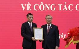 Trao quyết định của Bộ Chính trị phân công Chánh Văn phòng Trung ương Đảng