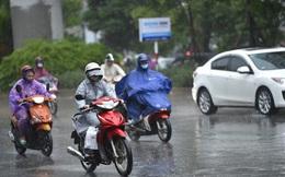 Miền Bắc trở mưa lạnh, miền Trung vẫn mưa lớn