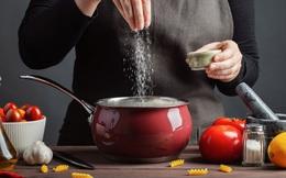 """Có một kiểu ăn uống dẫn đến hậu quả """"nhẹ thì hại thận, hại tim, nặng thì ung thư"""", cơ thể có 4 dấu hiệu này thì phải xem lại những gì bạn ăn"""