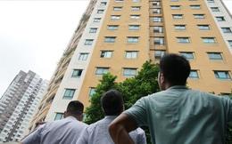 Ngăn chặn nguy hiểm rình rập từ các lô gia, cửa sổ chung cư ở Hà Nội