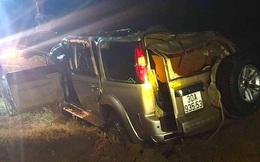 Toàn cảnh hiện trường vụ xe 7 chỗ đâm xe máy rồi lao xuống sông khiến 5 người thiệt mạng