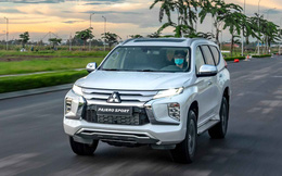 Mitsubishi Pajero Sport 2020 giá từ 1,11 tỷ đồng - Lật 'thế cờ' công nghệ với Toyota Fortuner