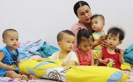 """Người mẹ đặc biệt của những đứa trẻ bị cha mẹ ruột chối bỏ: """"Lỡ nhận làm con rồi, mình đâu nỡ đưa lại vô viện mồ côi"""""""