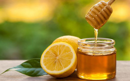 Mật ong và chanh tạo thành thuốc trị ho dứt điểm vào giai đoạn chuyển mùa nhưng khi sử dụng cần chú ý điều này để phát huy hiệu quả tốt nhất