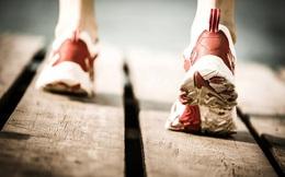 Thiếu nữ 18 tuổi đang chạy bộ thì đột nhiên có cảm giác bàn tay và bàn chân trái bị ai đó kéo lại, đến bệnh viện khám được chẩn đoán căn bệnh này