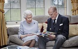 Vợ chồng Nữ hoàng Anh kỷ niệm 73 năm ngày cưới bằng bức hình ý nghĩa chứa chi tiết khiến vợ chồng Meghan Markle phải xấu hổ