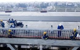 Mặt cầu Thăng Long đang được sửa ra sao?