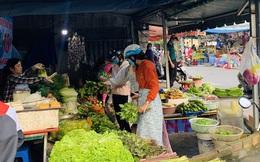 TP Hồ Chí Minh: Giá rau xanh giảm mạnh nhưng vẫn ở mức cao