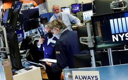 Nhà đầu tư Mỹ chuẩn bị gì cho những biến động vào Ngày Bầu cử: Người phòng thủ, kẻ bán bớt tài sản sẵn sàng tháo chạy