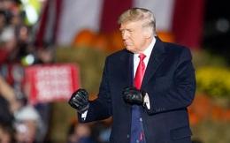 """Ông Trump thề sẽ chiến đấu tới cùng, sử dụng """"mọi khía cạnh của luật"""" trong trận chiến phiếu bầu qua thư"""