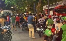 Giải cứu người phụ nữ rơi từ tầng 3 chung cư ở phố đi bộ Nguyễn Huệ