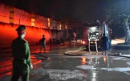 Cháy kho bông rộng trên 2000m2 trong cụm công nghiệp