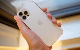 Mua iPhone 12 Pro Max, nhận được… miếng đá vỡ, hộp bút màu