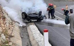 Ô tô đâm vào vách núi rồi bốc cháy, 3 người thương vong