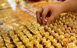 Giá vàng trong nước bất ngờ thu hẹp khoảng cách với thế giới