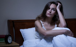 Thức khuya và làm thêm cả tuần, người phụ nữ suýt bị mù, tác hại của thức khuya nhiều hơn bạn nghĩ