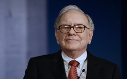 """Muốn """"tập tành"""" đầu tư làm giàu nhưng chưa biết bắt đầu từ đâu? Đây là 4 cuốn sách tỷ phú Warren Buffett khuyên người mới nên đọc"""