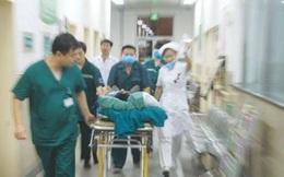 Cô gái 28 tuổi bất ngờ ngất xỉu, liệt nửa người cả đời dù đã được cấp cứu, nguyên nhân xuất phát từ thói quen trước khi đi ngủ của nhiều người trẻ