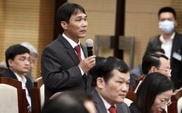 Chủ tịch xã ở Hà Nội: 'Cát rất đẹp, như con gái 18 tuổi nên bị cát tặc nhòm ngó hàng ngày'