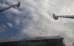CLIP: Cháy trong khu chung cư giữa trung tâm TP HCM