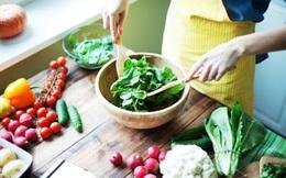 Bước sang tuổi 50, có 5 loại thực phẩm cần tránh và 9 loại rất nên bổ sung để ngăn lão hóa, tăng độ bền sức khỏe