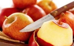 Vừa ăn 2 quả táo đã no, người đàn ông ngộ ra 1 sai lầm lớn mà bản thân và rất nhiều người đang mắc phải