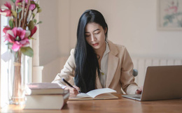 4 đặc điểm người EQ cao thường sở hữu, trong công việc có thể chưa xuất sắc nhưng chiếm trọn cảm tình của sếp lẫn đồng nghiệp
