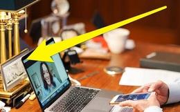 Bức ảnh ông Biden gọi điện được gần 800.000 lượt thích: Mọi người chỉ chú ý một thứ trên bàn