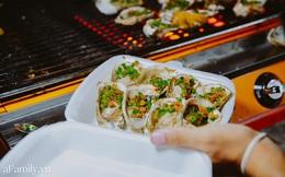 """""""Hàu nướng 5k"""" đổ bộ vào khắp nơi tại Hà Nội, chủ cửa hàng bán mỏi tay, thực khách kéo đến ầm ầm vì được ăn đặc sản ở... hè phố"""