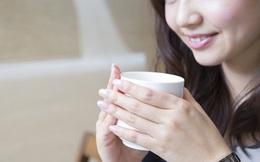 Người trẻ tuổi hiện đại thường không thể sống thiếu cà phê, nhưng nếu thấy dấu hiệu này xuất hiện ở lưỡi thì cần phải hạn chế sử dụng ngay