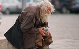 Nổi cáu vì người ăn mày dùng bát vỡ để xin nước uống, chàng trai lập tức nhận ngay 2 câu giáo huấn cả đời không quên