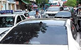 Ám ảnh 'cò xe' lộng hành ở Bệnh viện Việt Đức