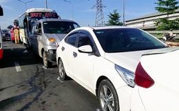 Tai nạn liên hoàn giữa 5 xe ô tô, cửa ngõ phía Tây TPHCM kẹt cứng