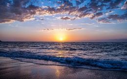"""Nhìn thấu nhân sinh qua """"lời dạy"""" của biển: Thế gian vô tận, an yên hay giông bão đều có lý do của nó!"""