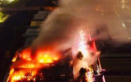 [Ảnh] Toàn cảnh cột lửa cao trăm mét trong vụ cháy kho hàng 3.000 m2 tại KCN Tân Tạo