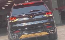VinFast President tiếp tục lộ diện ngoài đời thực: Nhiều chi tiết vàng sáng chói 'hiện nguyên hình'