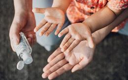 Sử dụng nước xịt rửa tay mọi lúc mọi nơi: Cảnh báo nguy cơ nhiễm độc vì hàng giả