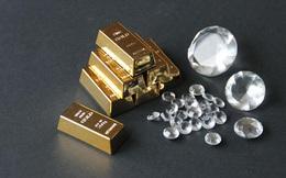 """Vì sao giữa khủng hoảng như Covid-19, nhà đầu tư lại """"ôm"""" vàng mà không phải kim cương?"""