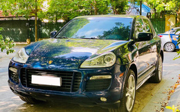 Qua thời đỉnh cao, Porsche Cayenne xuống giá hơn 700 triệu, rẻ ngang Toyota Corolla Cross bản tiêu chuẩn