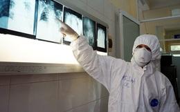 CLIP: Phóng sự một ngày làm việc bên trong khu điều trị cho bệnh nhân Covid-19 của bác sĩ