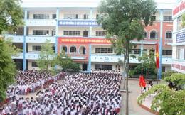 Hà Nội: Trường tiểu học bỏ quên học sinh trên xe đưa đón