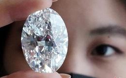 """Viên """"kim cương hoàn hảo"""": Nặng tới hơn 100 carat, hoàn mỹ tới khó tin"""