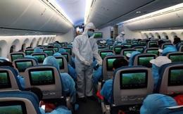 """Lùi ngày """"mở cửa"""" các đường bay thương mại quốc tế đến khi nào?"""