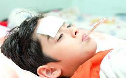Bác sĩ BV Nhi đồng chia sẻ 4 sai lầm nguy hiểm của cha mẹ khi hạ sốt cho trẻ